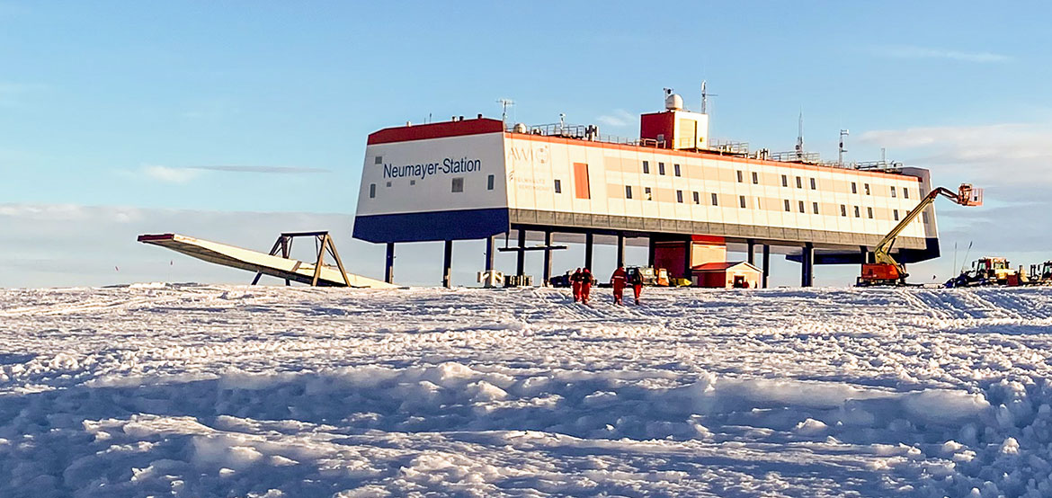 Neumayer Station Slider
